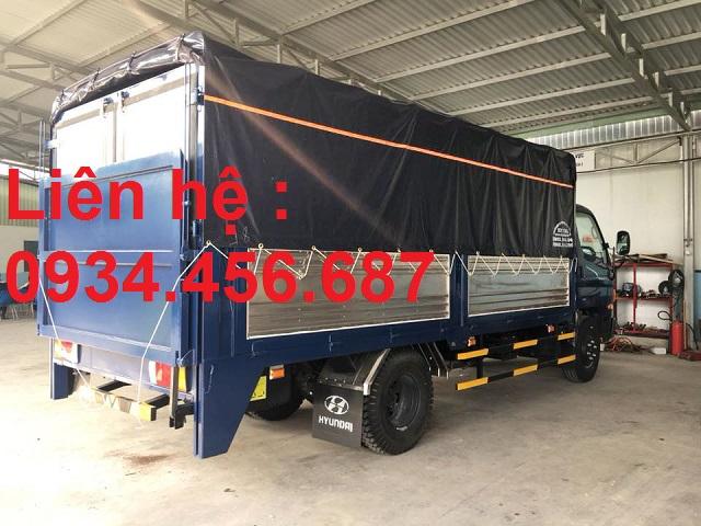 Hyundai 110s thùng bạt bửng nâng