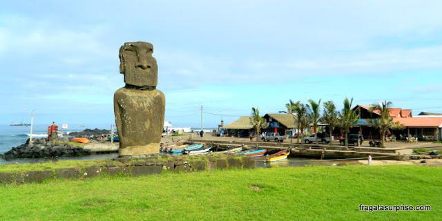 """Centro de Hanga Roa, a """"capital"""" da Ilha de Páscoa"""
