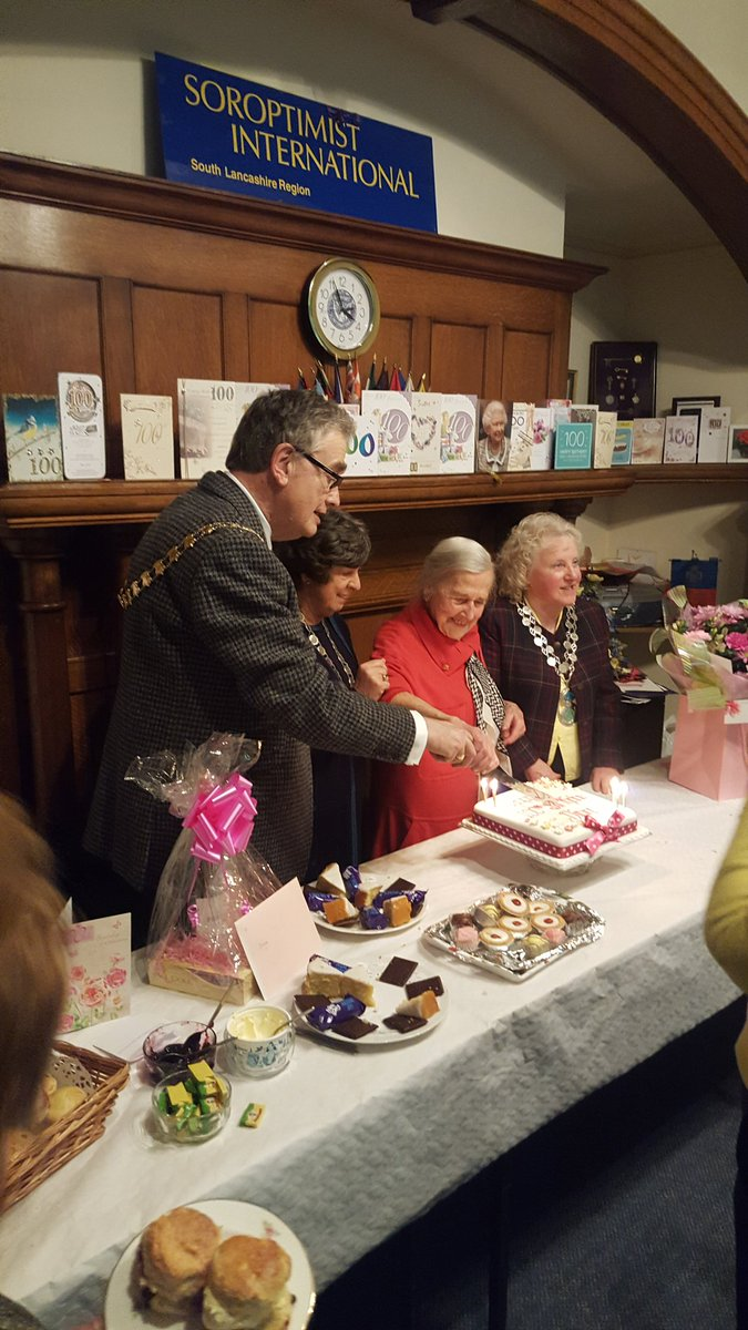 theMayoralBlog 100th Birthday Tea Party for Diana Beldam – 100 Birthday Card from Queen