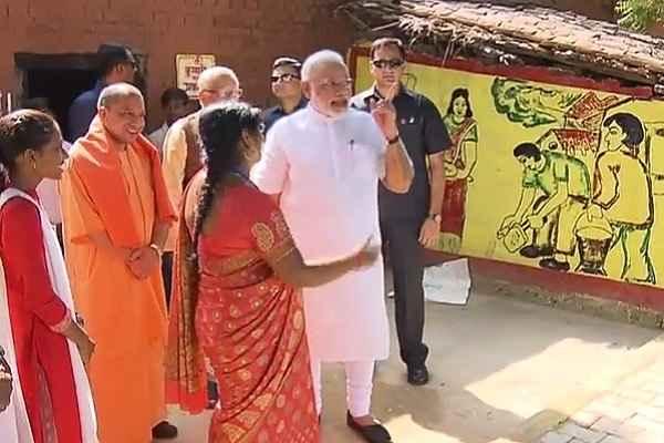 pm-narendra-modi-visited-shahanshahpur-village-varanasi-image