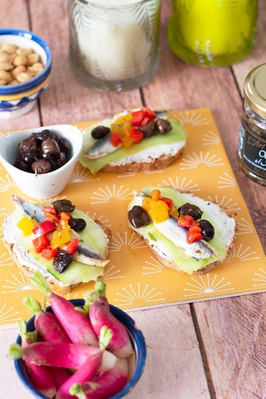 recette Tartines concombre anchois
