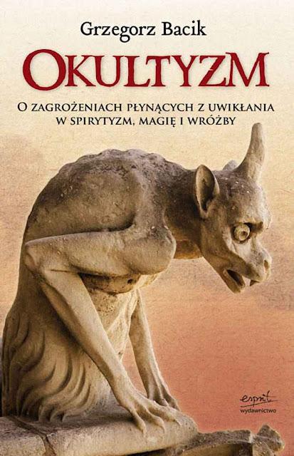 O livro 'Ocultismo' de Grzegorz Bacik.