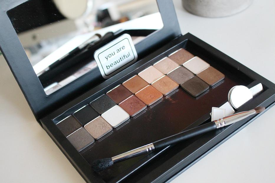beauty junkees magnetic palette, dupe z palette, affordable magnetic palette