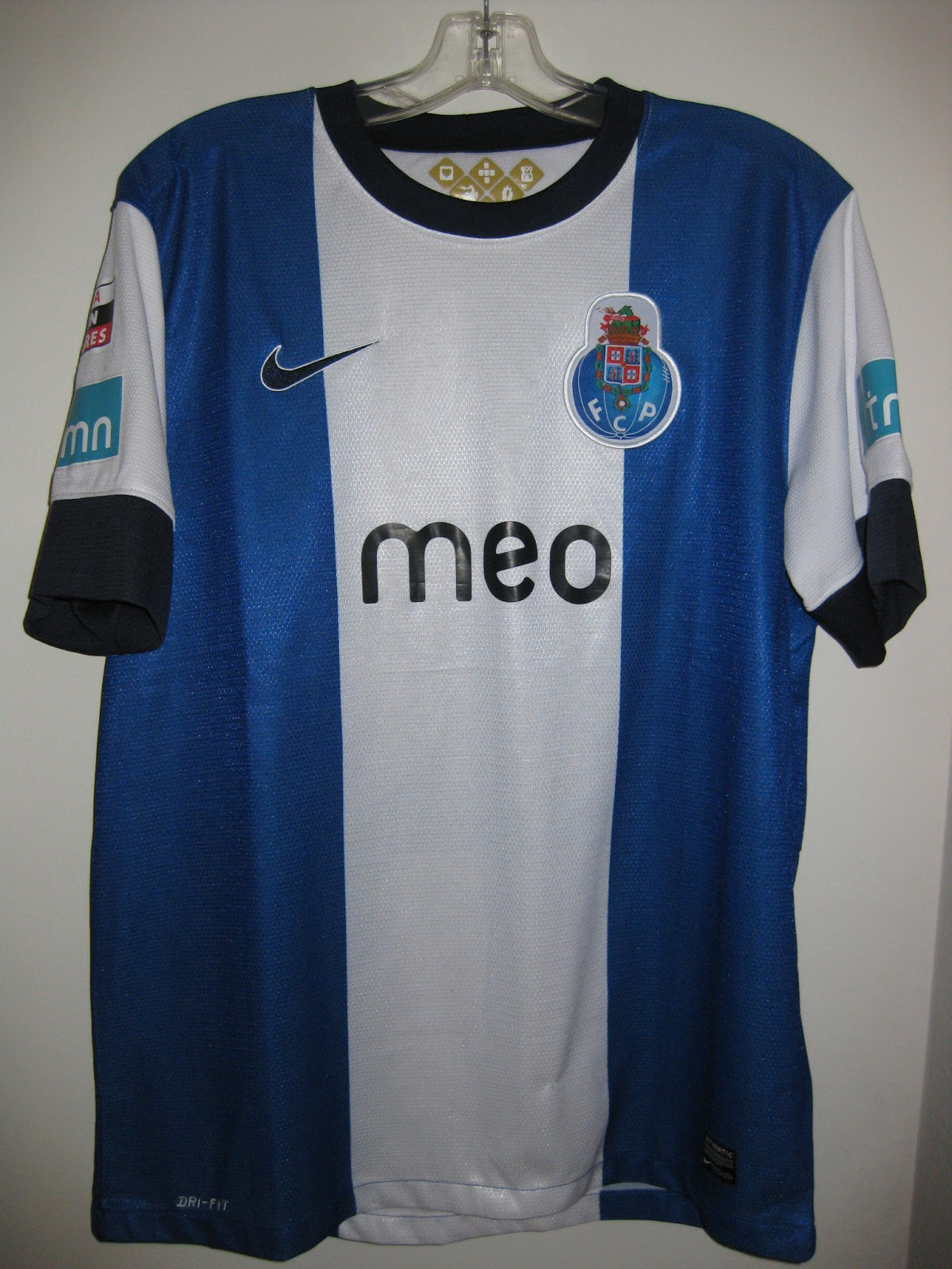 10af2e7f2 Chris s Soccer Jersey Collection  2012-13 FC Porto Hulk Home Jersey