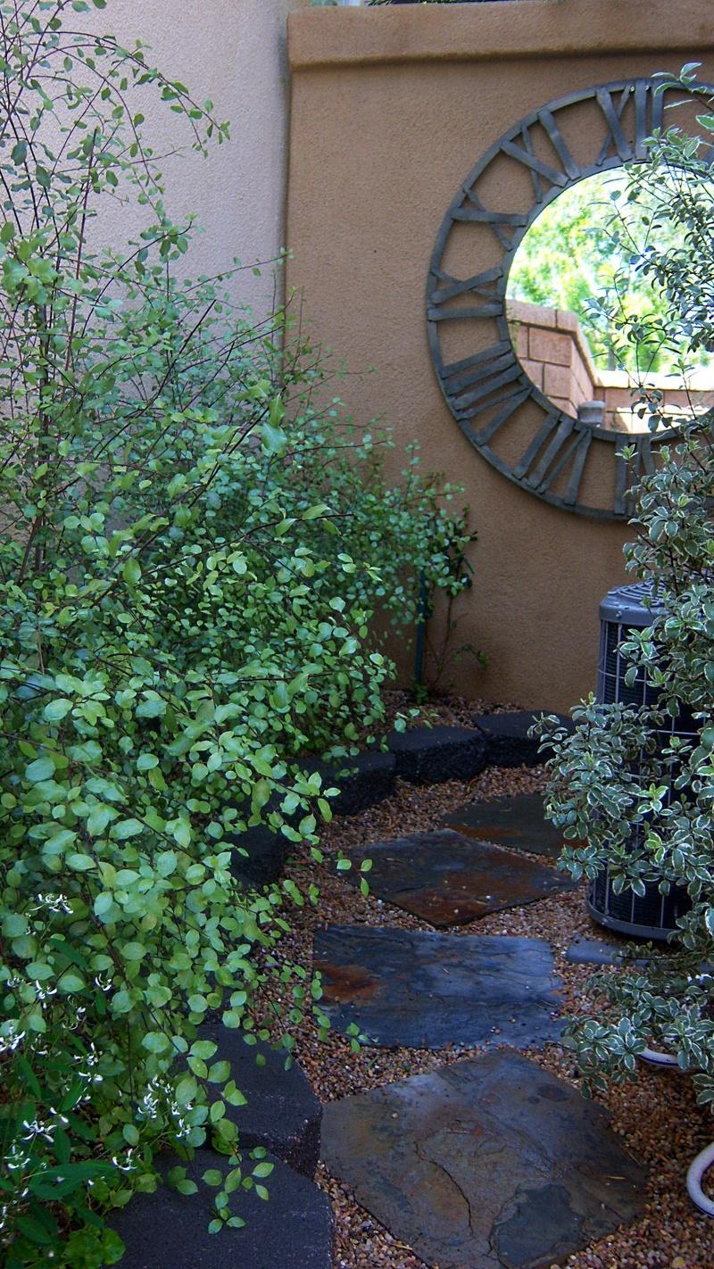 Gardenwright 100 Square Foot Italian Villa Garden