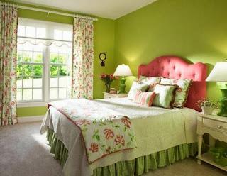 Habitación color rosa y verde