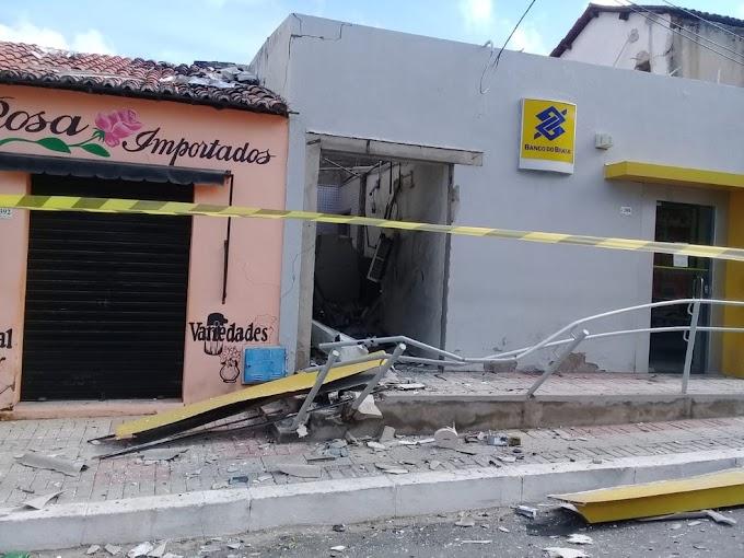 Quadrilha explode agência bancária de Cariré, no Ceará; é o 46º ataque no Estado em 2018