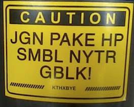 Stiker Unik dan Lucu pada Motor Tema Dilarang Nyetir Dengan Main Hp