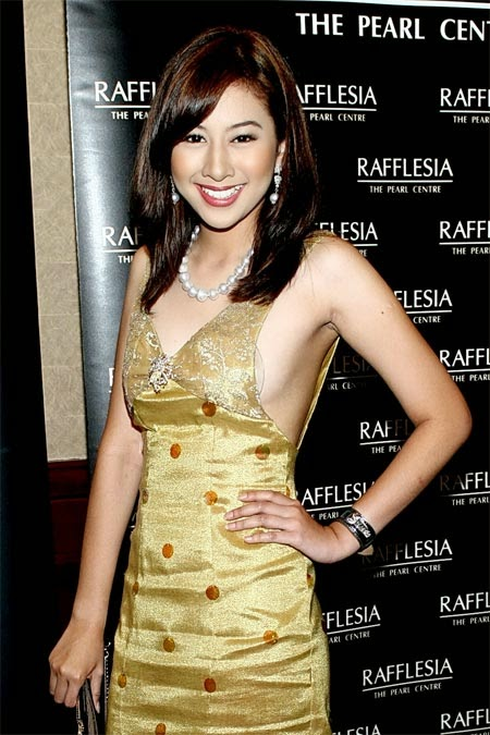 Sexy Pictures Miera Liyana in Golden Dress