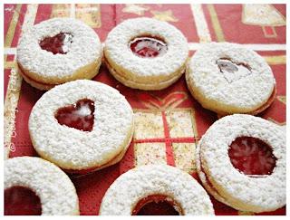 http://barafras-kochloeffel.blogspot.de/2011/11/spitzbuben.html