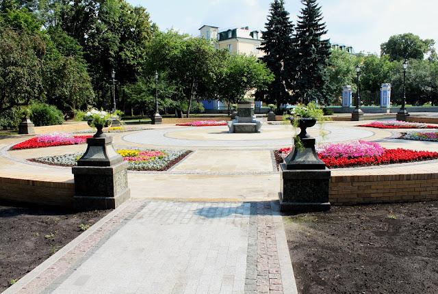 Новая площадь на Владимирской горке