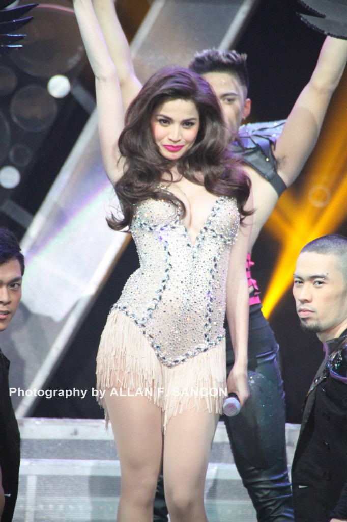 anne curtis annebisyosa almost nipslip pic