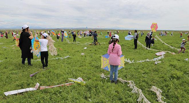 Diyarbakır Kayapınar Belediyesi uçurtma şenliği düzenledi