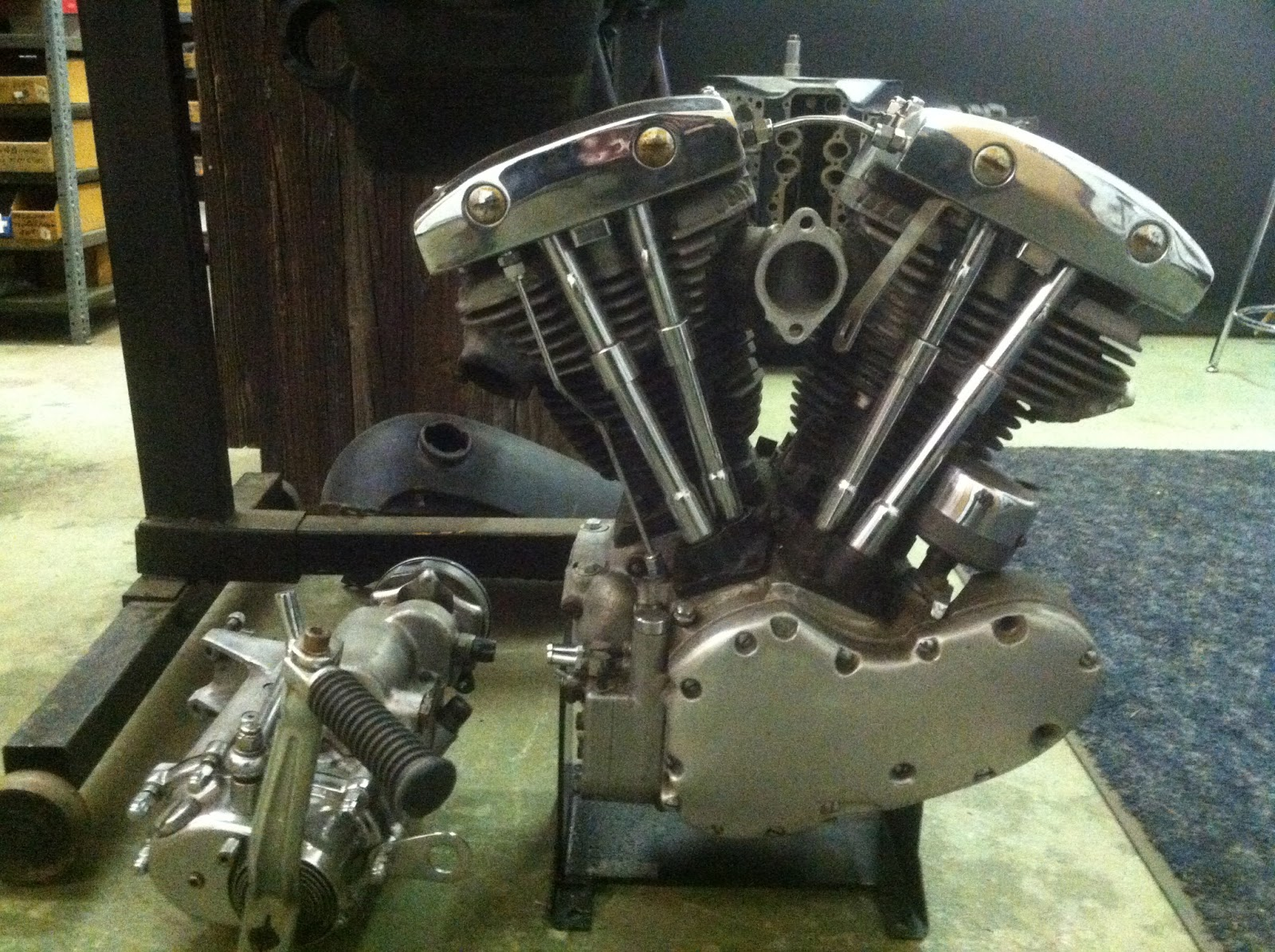 Joe Smith Early V8 & Hot Rod: Generator Shovelhead 1969 -For