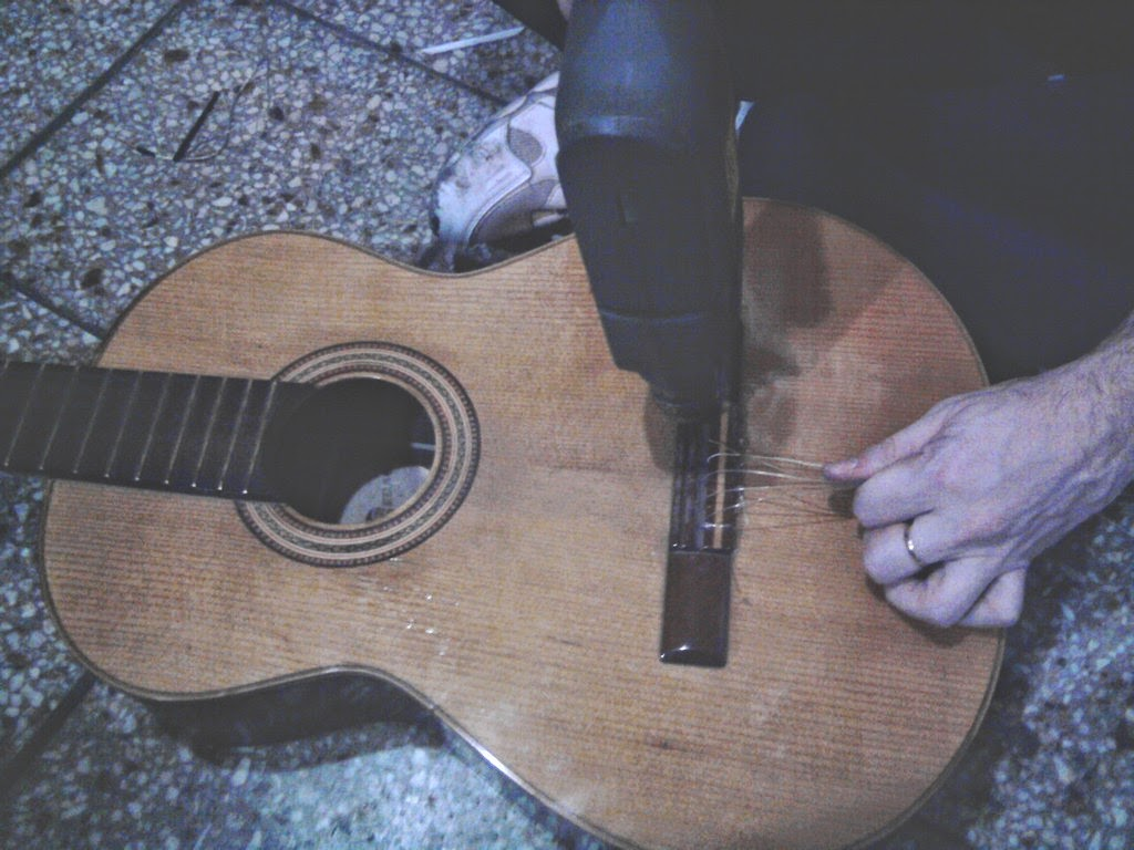 como ponerle un micrófono a la guitarra criolla, española o acústica, tutorial