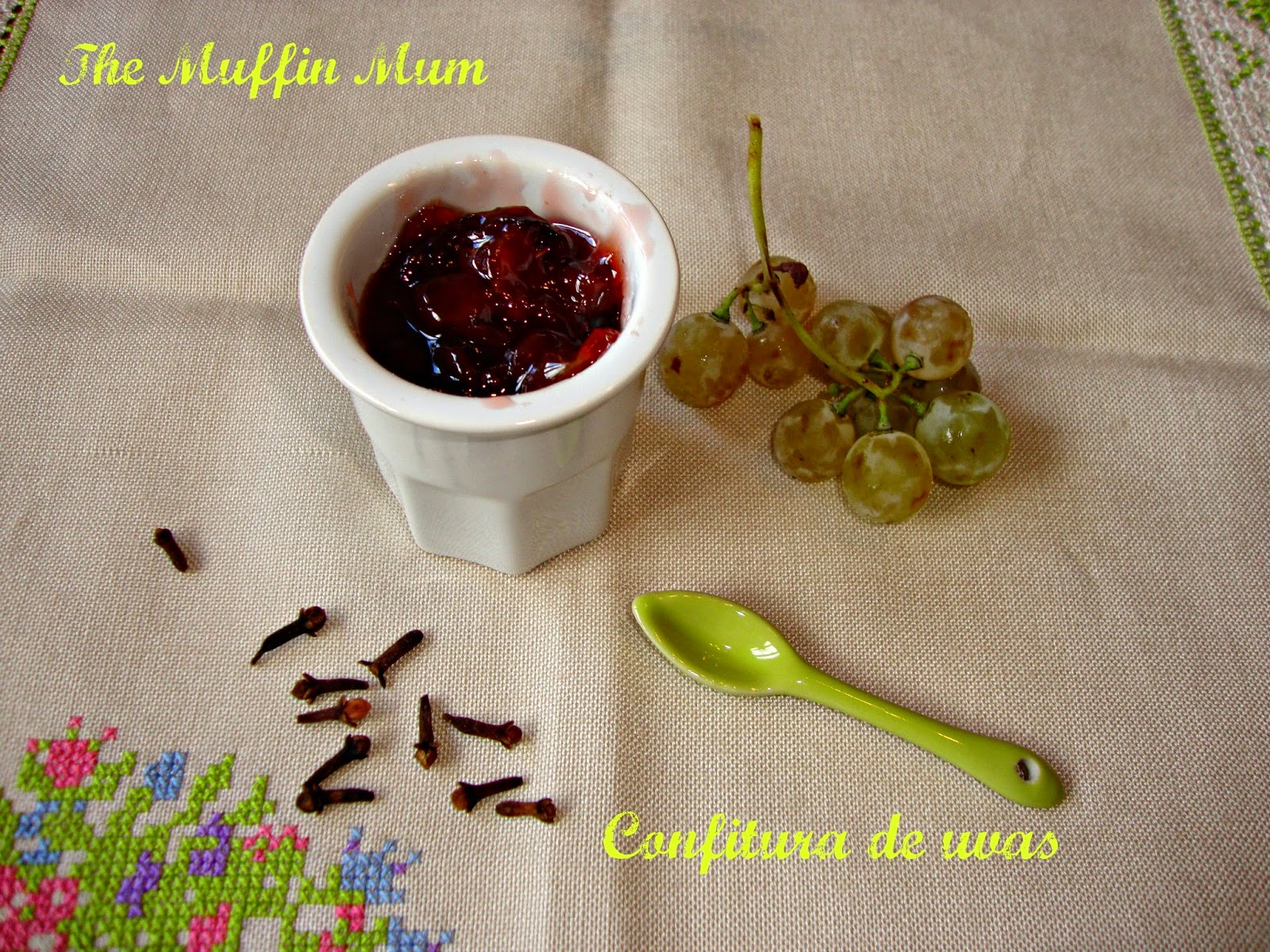 Confitura de uvas especiada