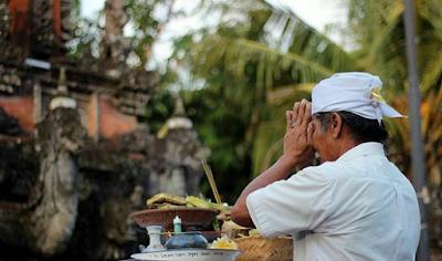Contoh-Contoh Orang yang Dipandang Mampu Mencapai Moksa Dalam Ajaran Agama Hindu