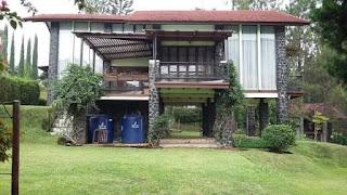 villa untuk keluarga besar di lembang