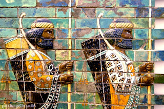 Guerreros babilonios, regresando de la batalla de Karkemish, por ejemplo.