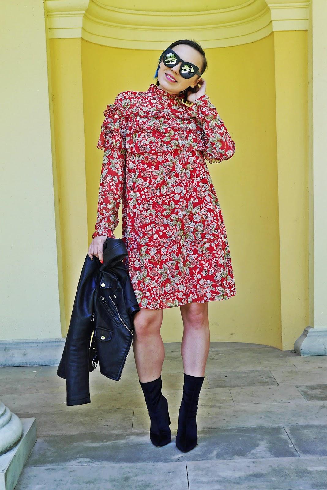 5_sukienka_falbanki_kwiaty_bonprix_skarpetkowe_botki_renee_karyn_blog-Modowy_140518