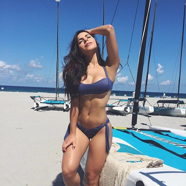 Fitness pro Lisa Morales Instagram photos 3