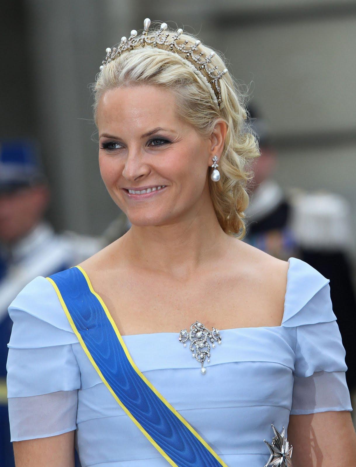 princess+mette+marit+blue+dress.jpg