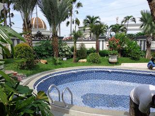 Taman dan kolam renang II - www.jasataman.co.id