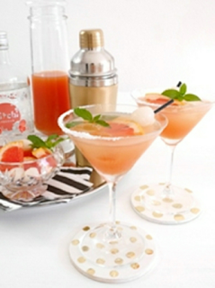 Cocktail au liqueur de litchi et pamplemousse