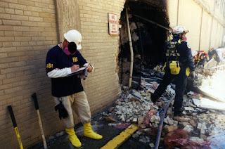 9-11 Pentagon Exterior 2 conjugando adjetivos