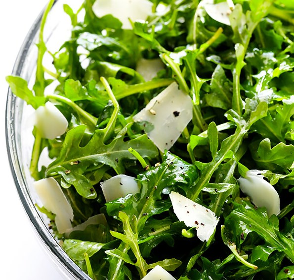 ARUGULA SALAD WITH PARMESAN, LEMON AND OLIVE OIL #easysalad #vegetarian