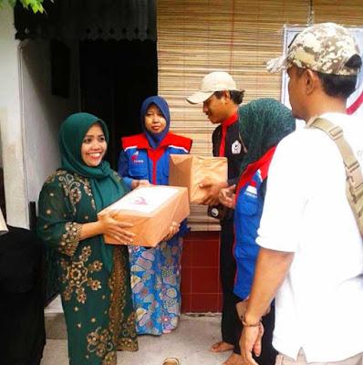 Cahaya Foundation, Cinong Bekasi, Rumah Pelangi Salurkan Donasi Untuk Dhafa