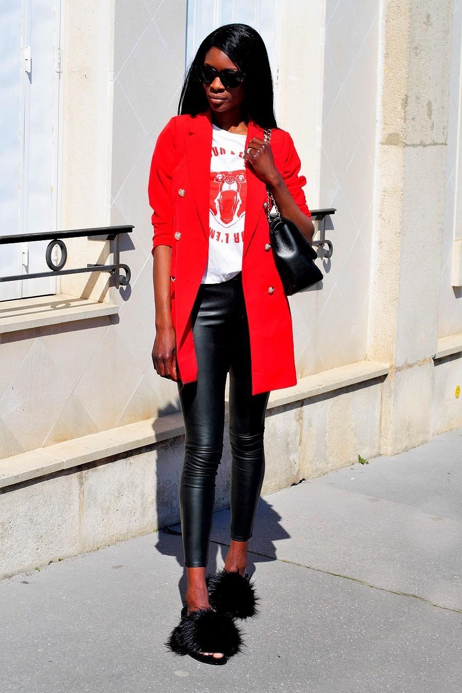 inspiration-look-tendance-chic-avec-mules-fourrure-blazer-long