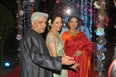 Hema-Malini-with-Javed-Akhtar-and-Shabana-Azmi-at-the-wedding-reception-of-Ahana-Deol-in-Mumbai