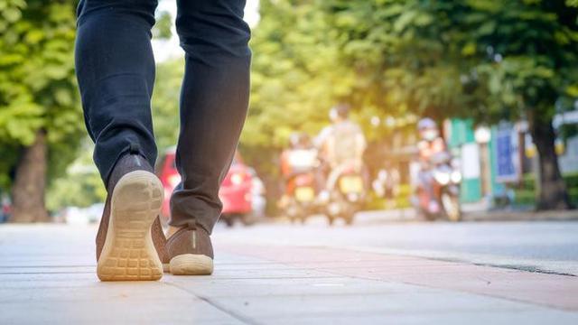 https://www.kumpulan.my.id/2019/03/kisah-cinta-pejalan-kaki-dan-trotoar.html