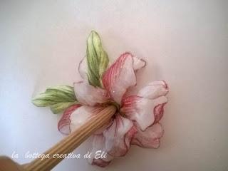 modellare il fiore in sospeso trasparente