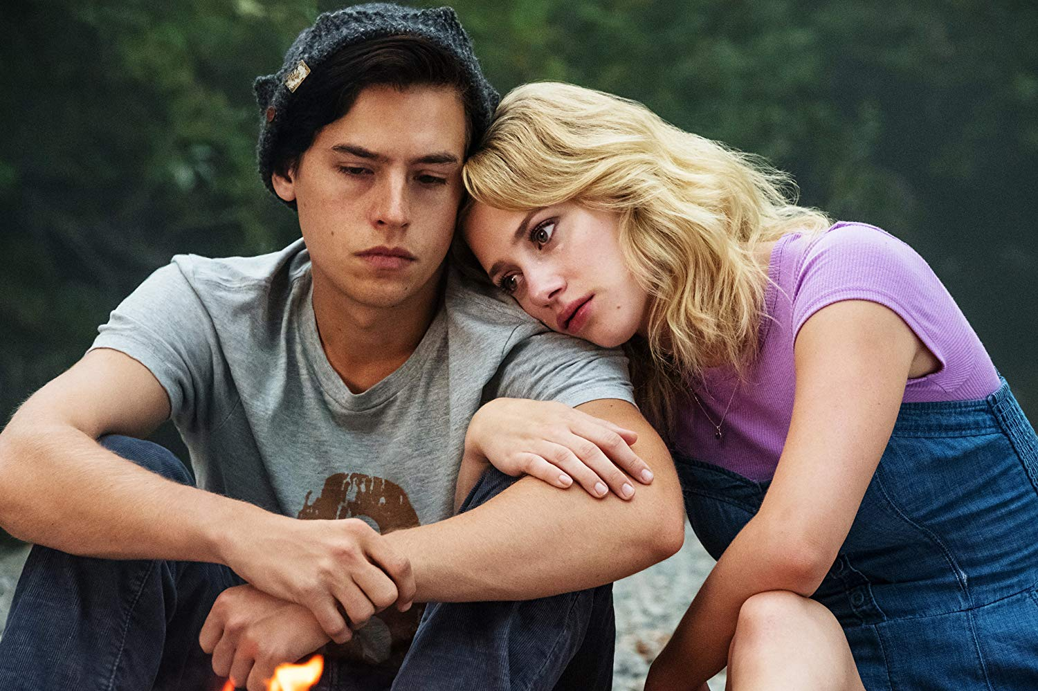 Cole Sprouse y Lili Reinhart en Riverdale de The CW
