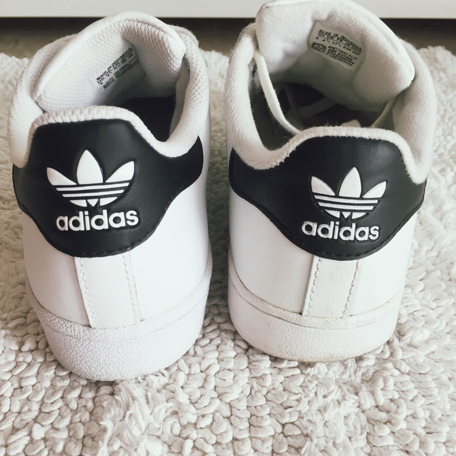 Adidas vs SuperstarStan Real Smith Fake 3A45RjqL