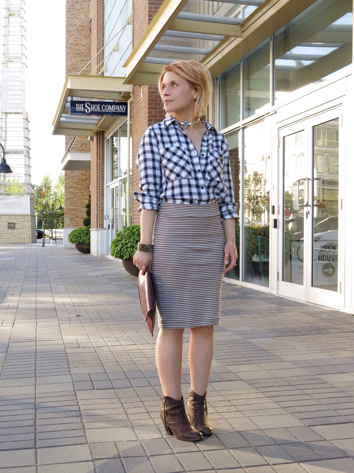 Plaid Skirts Channel some serious throwback vibes, the iconic checkered skirt is having a serious moment right now. To work the look authentically, pair your tartan mini skirt with a coordinating, oversized blazer jacket, cute tee and a pair of over the knee boots for a .