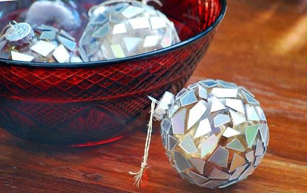 Bolas decoradas de árvore de natal