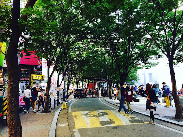 Travel Diary : Shopping at Ewha Women University & Hongdae Street,Seoul  (Day 4)