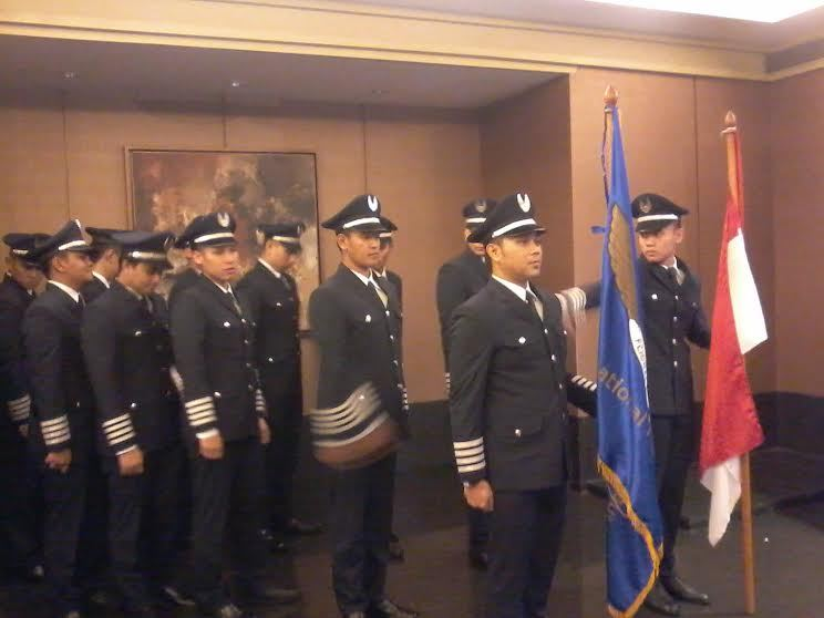 syarat menjadi pilot pesawat terbang garuda, tips dan trik agar diterima sekolah penerbangan