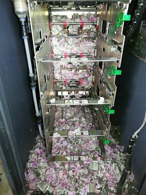 အိႏၵိယႏိုင္ငံမွာ ATM စက္ထဲက ပိုက္ဆံေတြကို ၾကြက္ေတြ၀င္ကိုက္