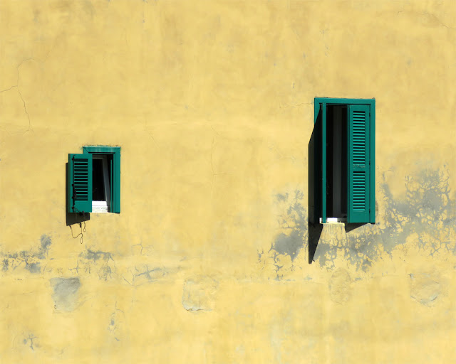 Windows on a canal, seen from Scali del Vescovado, Livorno