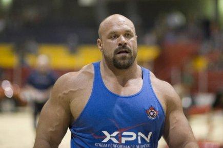 MUSCULAR MAN WALLPAPERS dbs: Muscular Man Wallpapers ...