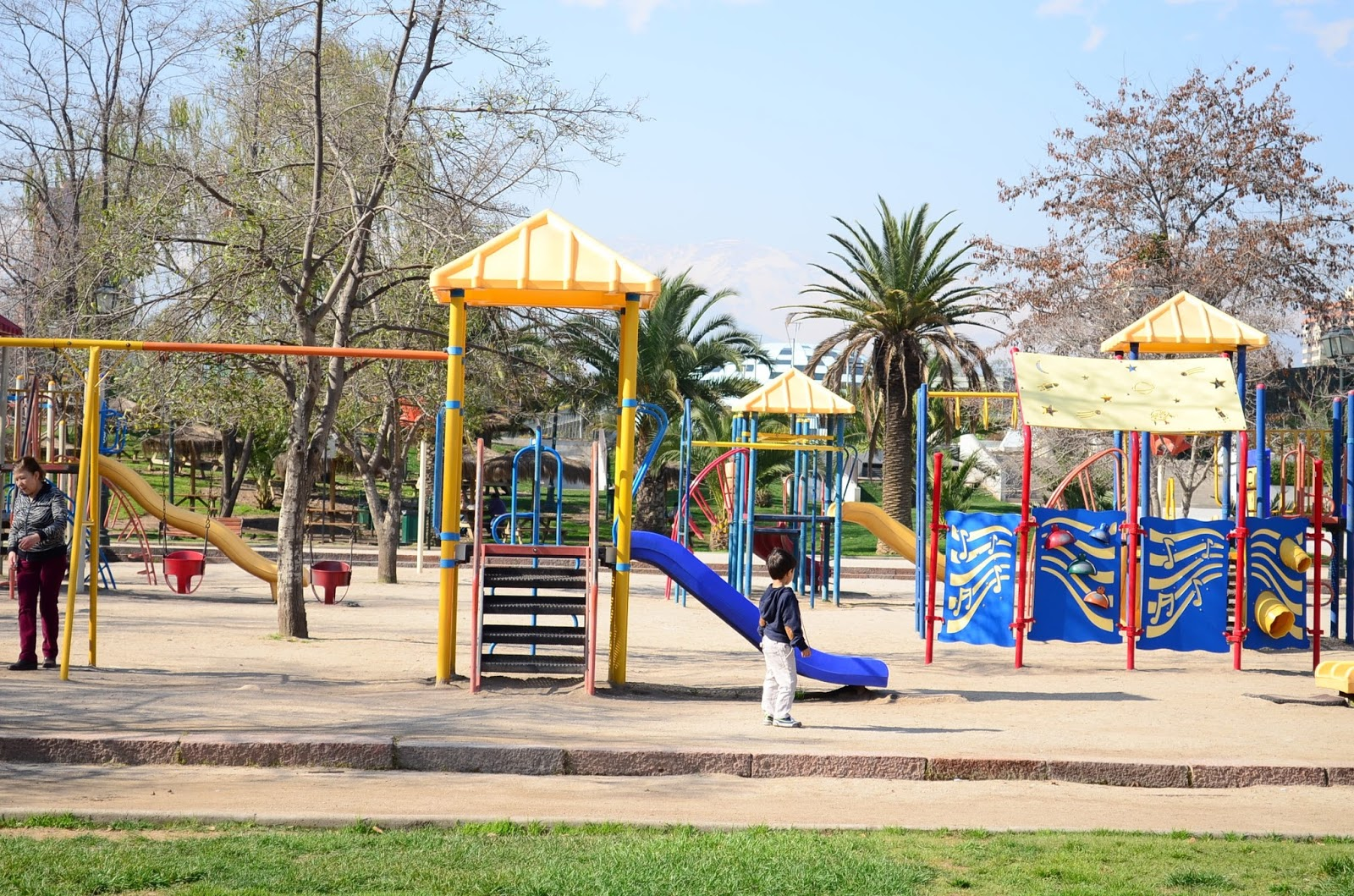 The Practical Mom: Santiago, Chile (Show Me Your Neighbourhood Around the World Series)