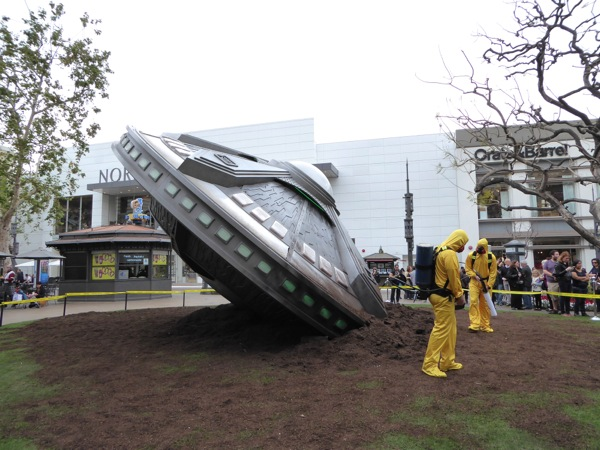 Crashed spaceship X-Files PR stunt The Grove