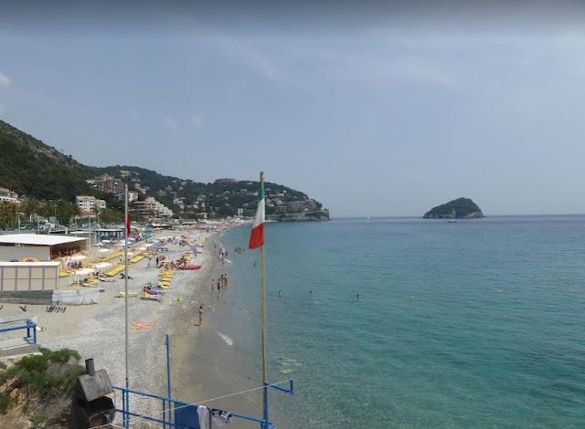 la spiaggia di Torre del Mare tra Spotorno e Bergeggi