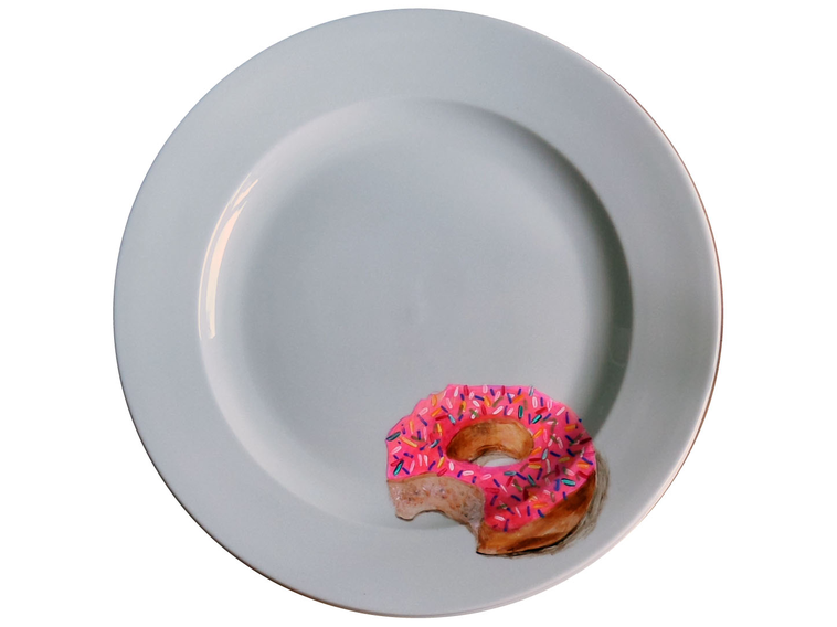 03-Donut-Doughnut-Jacqueline-Poirier-Thecrazyplatelady-Painting-Art-and-using-a-Plate-as-Canvas-www-designstack-co