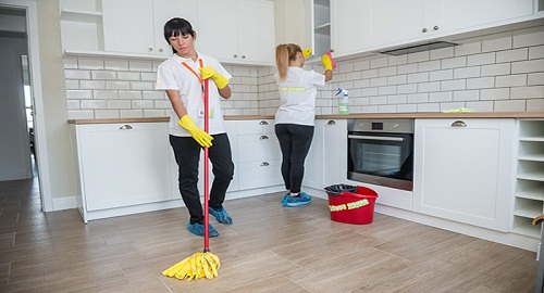 شركة تنظيف بالشارقة 2019  الجديدة خدمات تنظيف موكيت وسجاد بالمنازل