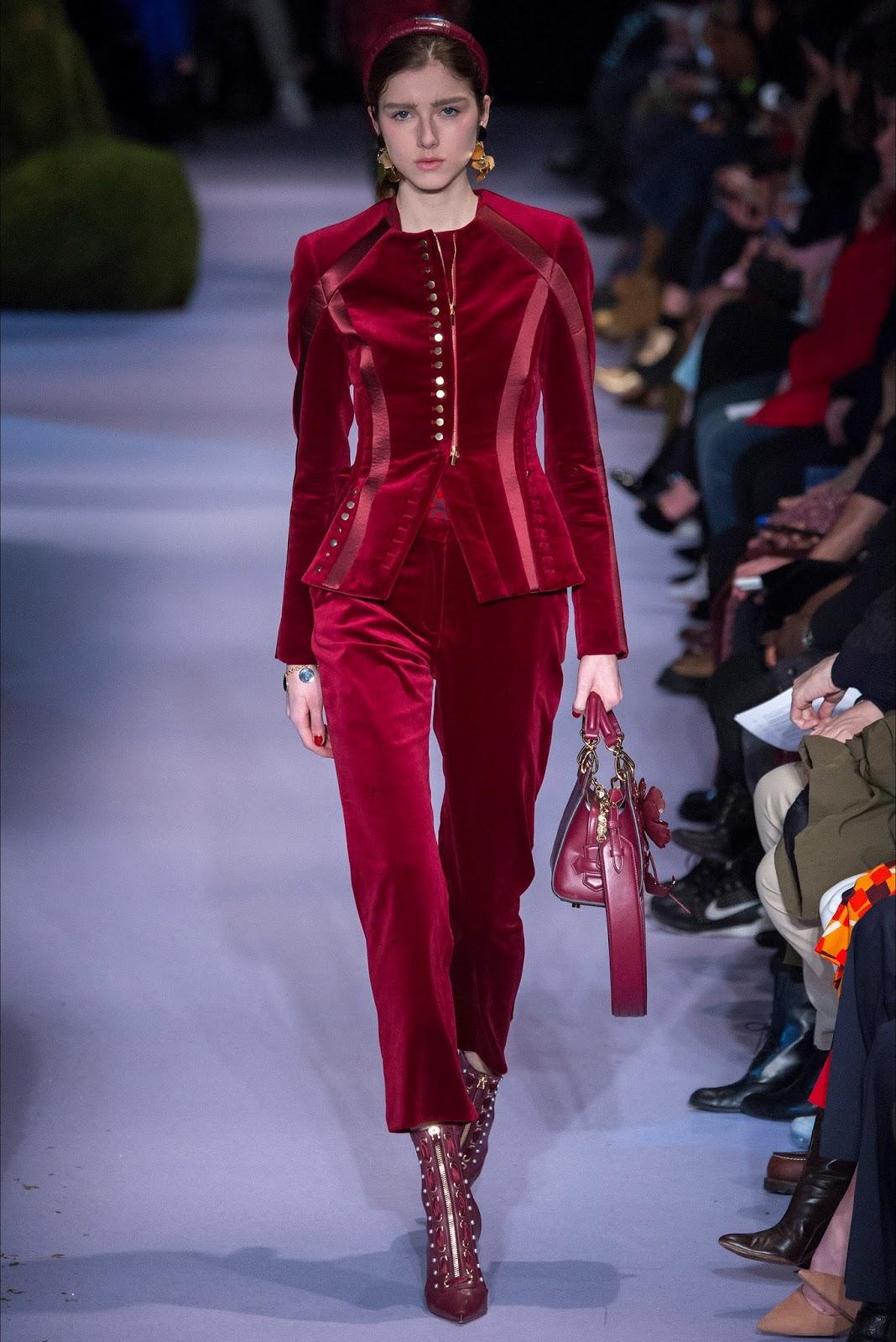 Giacca avvitata e pantalone in velluto burgundy per Altuzarra 3adaa59c584